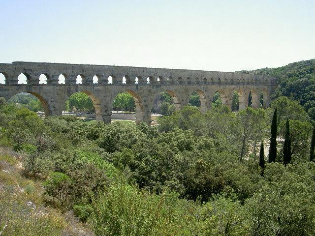 Pont_du_Gard.JPG